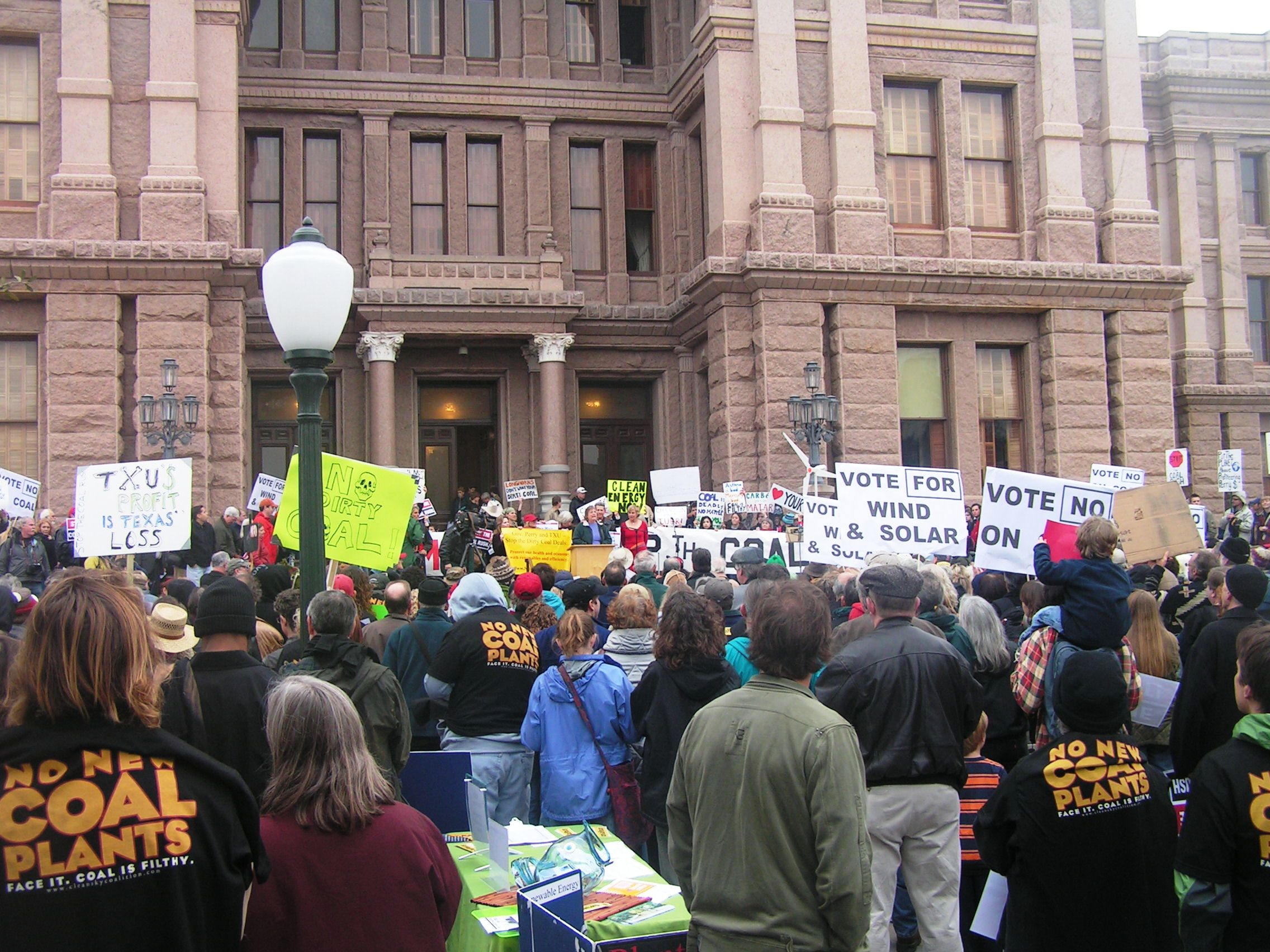 2007 ACT coordinated over 1000 Texans to rally against a Texas Coal Rush