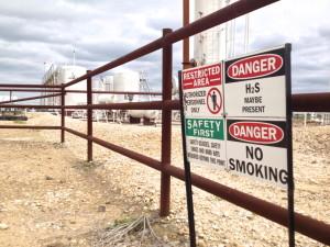 2014-03-16 Eagle Ford Shale - Fracking Equipment