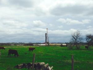 2014-03-16 Eagle Ford Shale - Fracking Rig