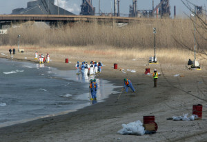 2014 Crews Clean Oil from Lake Michigan After Spill from BP Refinery