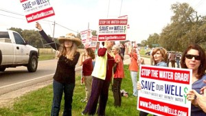 Western Hays County residents protest Electro Purification water grab near Hays City Store. Photo by Bill Johnson.