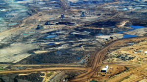 Alberta tar sands operation in 2008 - Photo from Wikimedia Commons